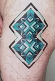 别致又不常见的漂亮图腾纹身图案