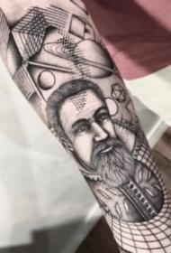 9张华丽而独特的包臂黑灰纹身图案