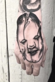 16组创意欧美黑灰小图纹身作品欣赏