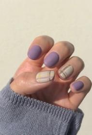 一组气质香芋紫色系美甲图片欣赏