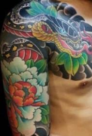 老传统风格的半胛纹身作品图片欣赏