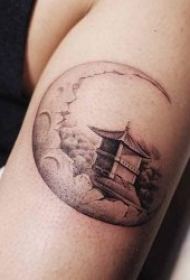 纹身月亮   9张寄语相思之情的月亮主题纹身图案