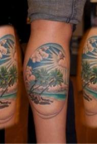 椰树纹身图  简约与多彩并存的椰树纹身图案