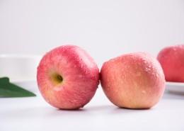 酸甜可口的红富士苹果图片(9张)
