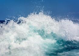汹涌的海浪图片(12张)