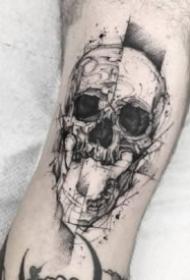 暗黑风骷髅纹身 9张暗黑色的骷髅纹身图案欣赏