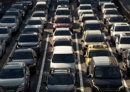 拥堵的汽车城市交通图片(10张)