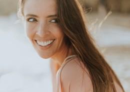 满脸笑容的美女图片(12张)