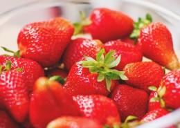 鲜红欲滴的草莓图片(14张)