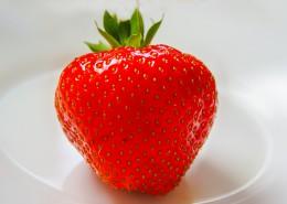 鲜红欲滴酸甜软糯的草莓图片(14张)