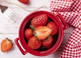 红色新鲜有营养草莓图片(10张)