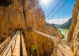 峡谷栈道图片(11张)