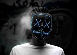 戴着面具的青年图片(10