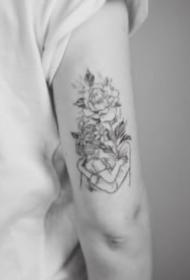 人物与花搭配的14款花头人身创意纹身作品