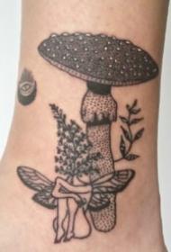 另类创意的9款恶趣味纹身图片