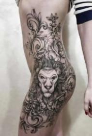 性感女性的侧腰大腿部纹身作品图片