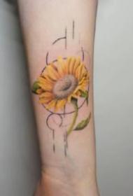 18款淡淡彩色的小臂花卉纹身图片