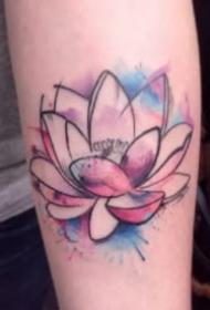 水彩莲花文身 9款水彩色的莲花纹身图片