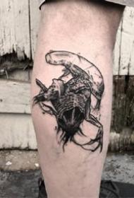 一组欧美黑灰帅气男士纹身图案欣赏