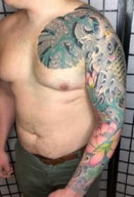 新传统风格的一组9款大花臂纹身图片