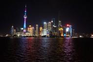 夜晚的上海东方明珠广播电视塔图片(12张)