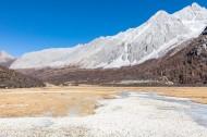 四川稻城亚丁雪山风景图片(11张)