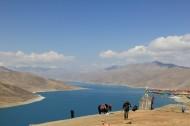 西藏美丽的羊卓雍措风景图片(8张)