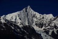 云南梅里雪山风景图片(9张)