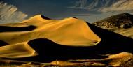 西藏雅鲁藏布佛掌沙丘图片(21张)