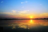 湖北汤逊湖日出风景图片(13张)
