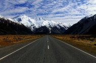 笔直平坦的公路图片(11张)