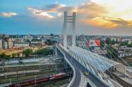 城市中的悬索桥图片(12张)