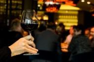 杯中的红酒图片(13张)