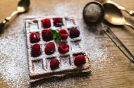 正在制作的树莓华夫饼图片(11张)