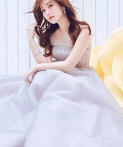 金莎化身花仙子女王范写真图片  知性优雅