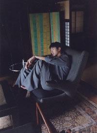 刘昊然登时尚杂志内页,日系少年如海风般清爽干净
