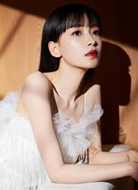 孙怡仙气唯美白裙手机壁纸