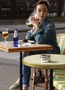 张檬巴黎浪漫街拍 尽享午后暖阳