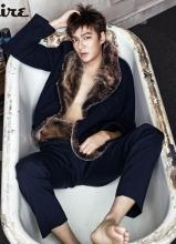 李敏镐性感登杂志封面 侧卧浴缸尽显熟男魅惑