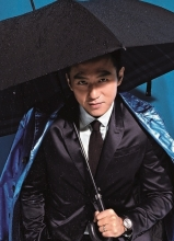 邓超百变造型登杂志 酷帅十足的男人味