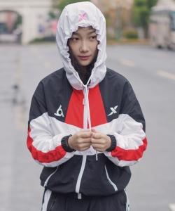 徐若侨清爽时尚街拍图片