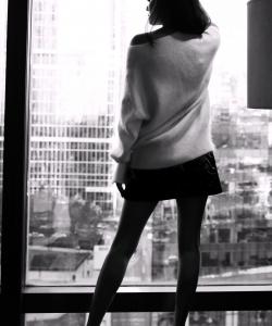安以轩剪影风格秀长腿写真图片