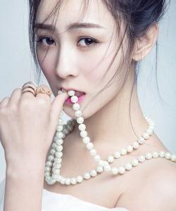 张维娜性感俏丽时尚写真高清图片