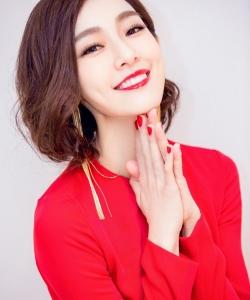 范玮琪图片:一席红裙美艳开唱