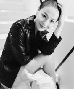 宋楠惜炫酷皮衣魅力活动照图片