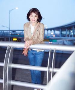 刘涛率性自然机场街拍图片