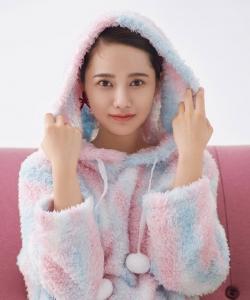 姜珮瑶甜美俏皮写真图片