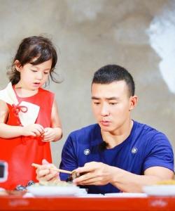 爸爸去哪儿5刘畊宏父女高清图片