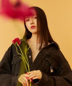 张梓琳时尚御姐范写真图