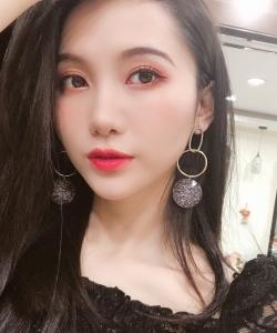 SNH48陆婷甜美自拍照图片